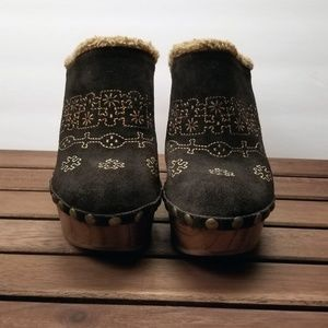 Jeffrey Campbell Woodies Clogs Size 7